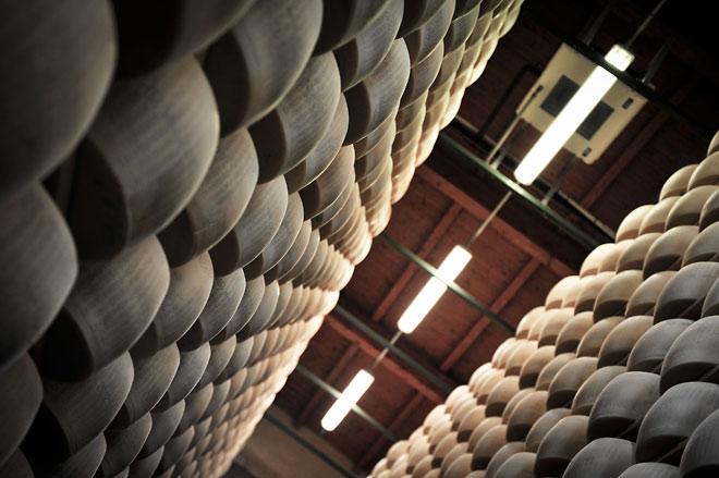 På besök hos en producent av parmesan i Salsomaggiore del 3